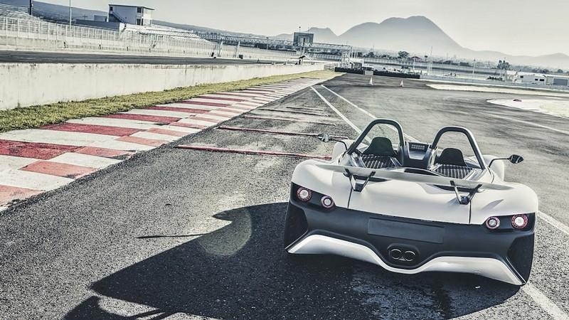 VUHL 05 lightweight supercar---000