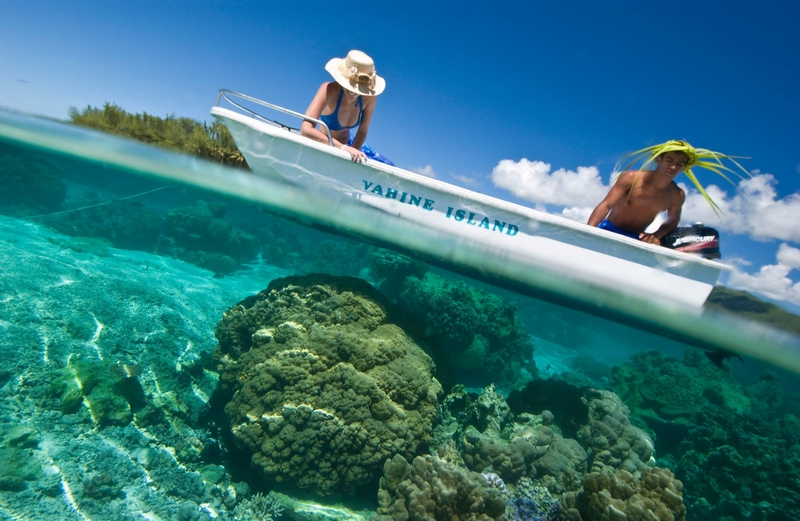 Vahine Island in French Polynesia-002