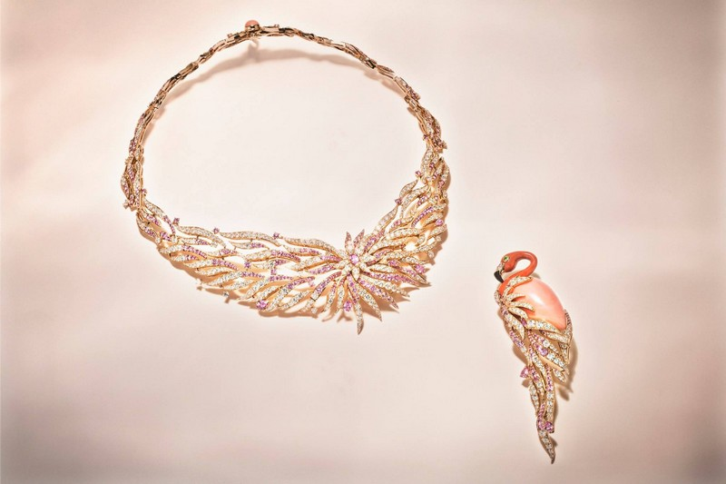 Van Cleef & Arpels Flamant corail necklace Seven Seas High Jewelry collection.