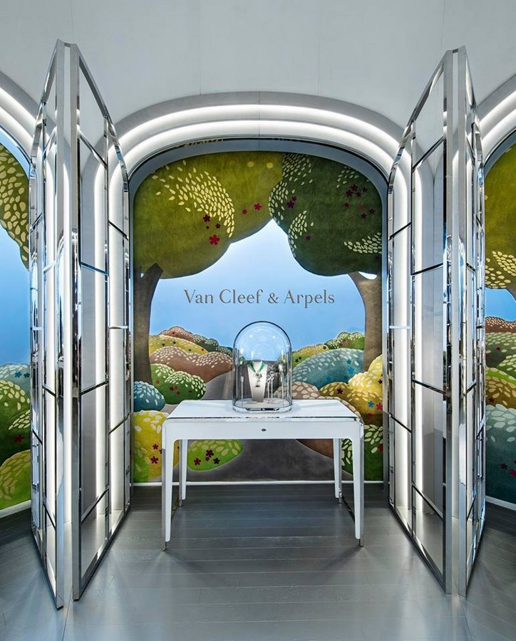 Van Cleef & Arpels display at Watches & Wonders 2015, Hong Kong expo-