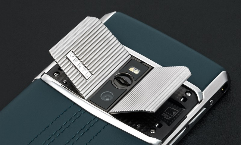 vertu-signature-touch-teal-fluted-edition-details