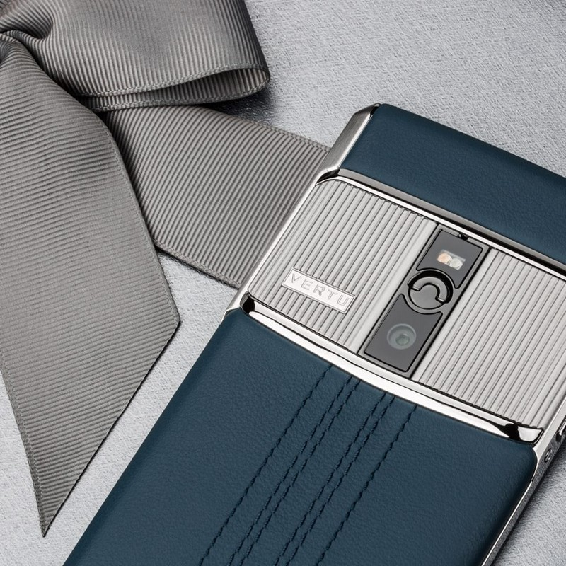 vertu-signature-touch-teal-fluted-edition
