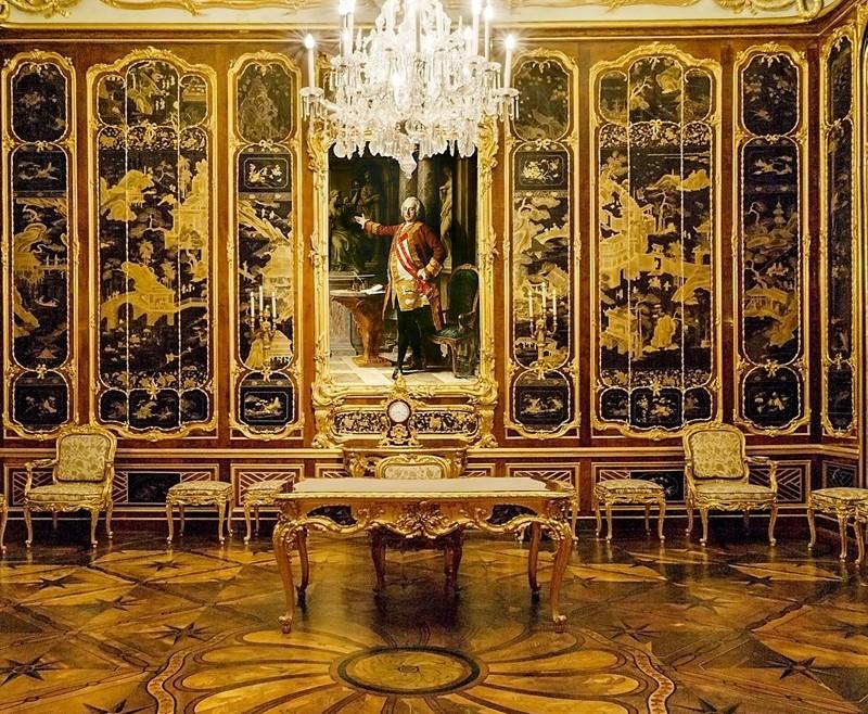 Vieux-Laque Room in Schönbrunn Palace