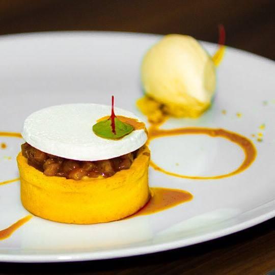 Warm Apple Pie - double IPA ice cream, walnut meringue and cider syrup