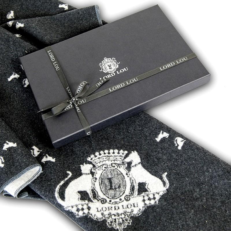 Winston 193 plaid + gift box detail LR