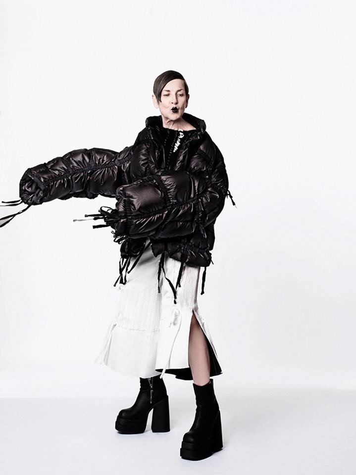 Ya Jun Lin -White Noise 2016 collection