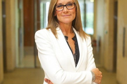 Angela Ahrendts: the woman aiming  to make Apple a luxury brand
