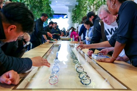 Apple Watch launch swaps high-street crowds for high-end fashionistas