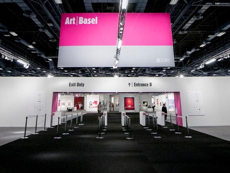 art basel miami - entrance