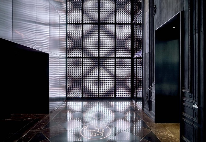 baccarat hotels & resorts -harcourt wall and lobby