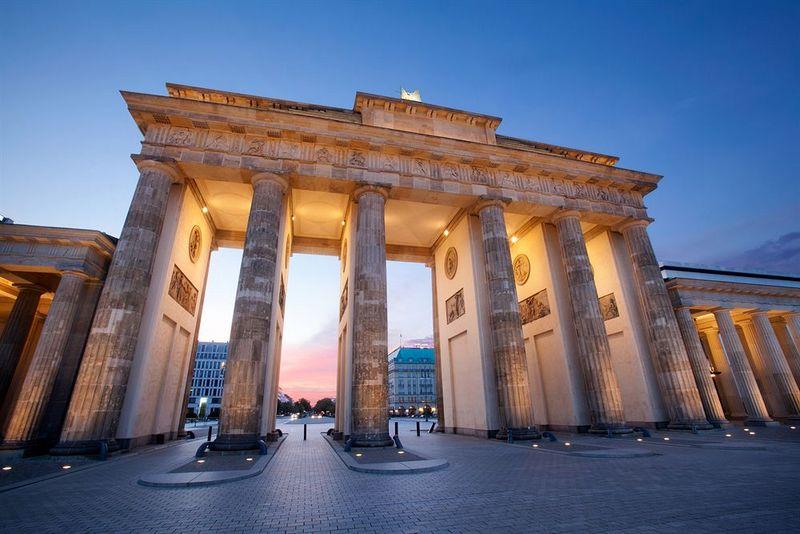 berlin-fall-fantasy
