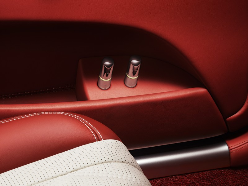 bespoke-mulliner-features-atomisers