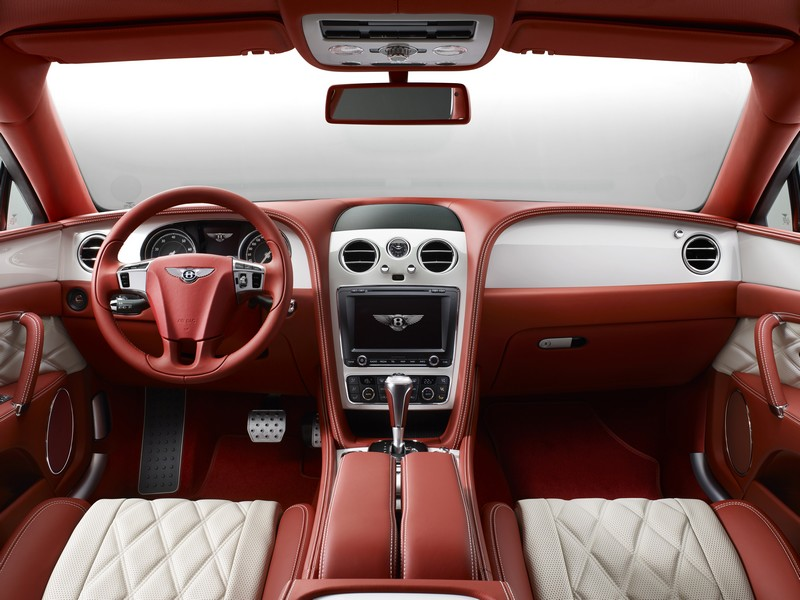 bespoke-mulliner-features-full-dash