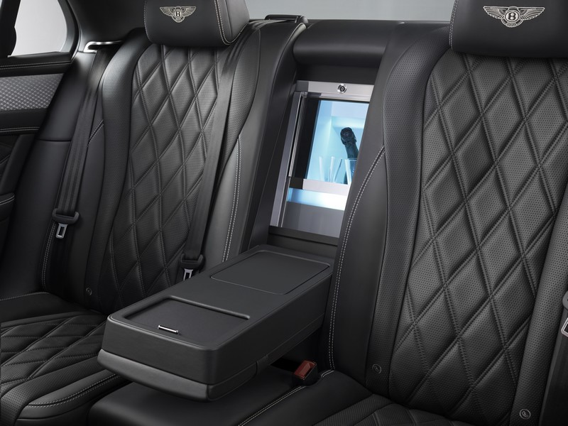 bespoke-mulliner-features-rear-interior-glasses-in-anthracite