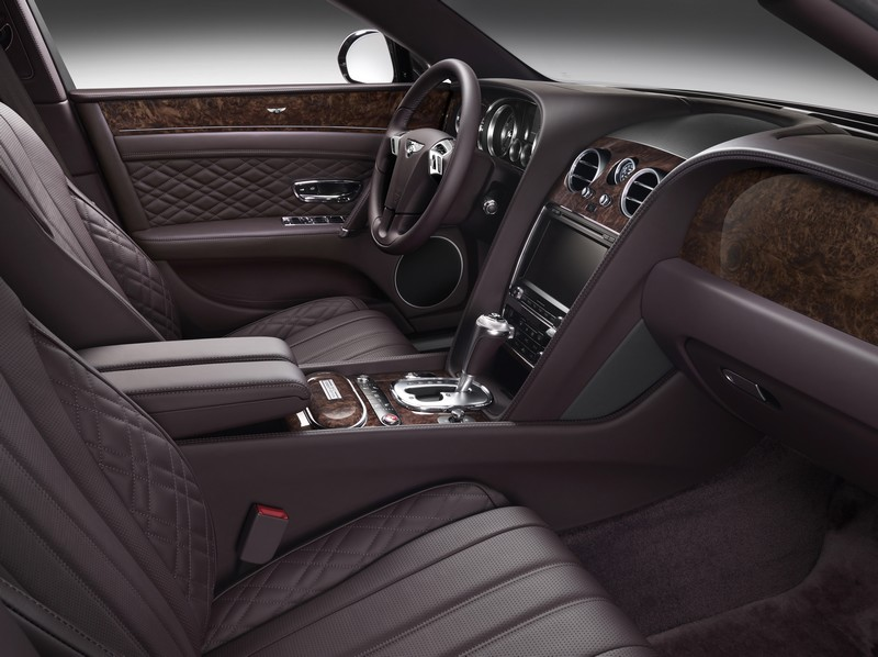 bespoke-mulliner-features-serenity-front-interior