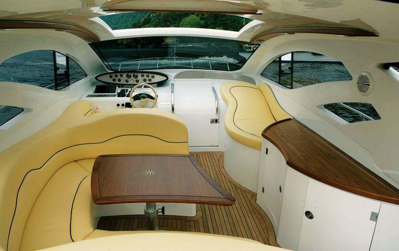 blu martin -sea-top 1390 interior 2