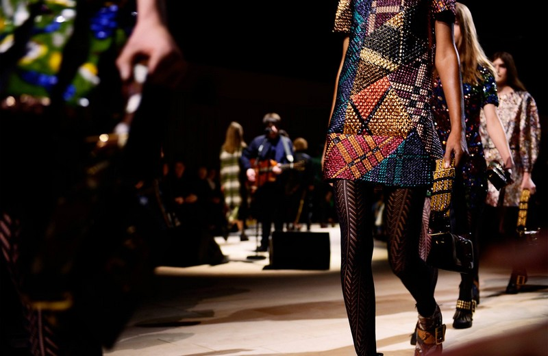 burberry FW2016-  Dresses and The Patchwork bag in a mix of patterns and textures