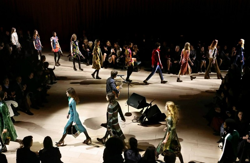 burberry womenswear - Uncover the Burberry February 2016 show--