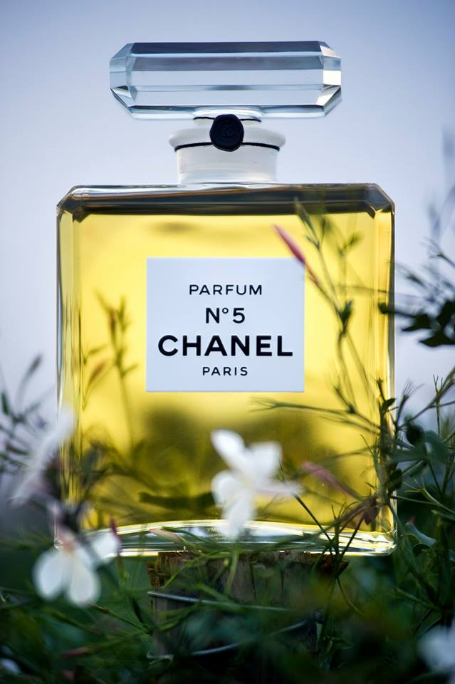 chanel no 5 perfume bottle with flowers