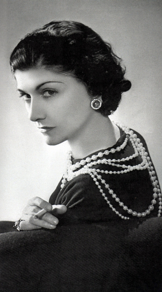 -coco-chanel and pearls