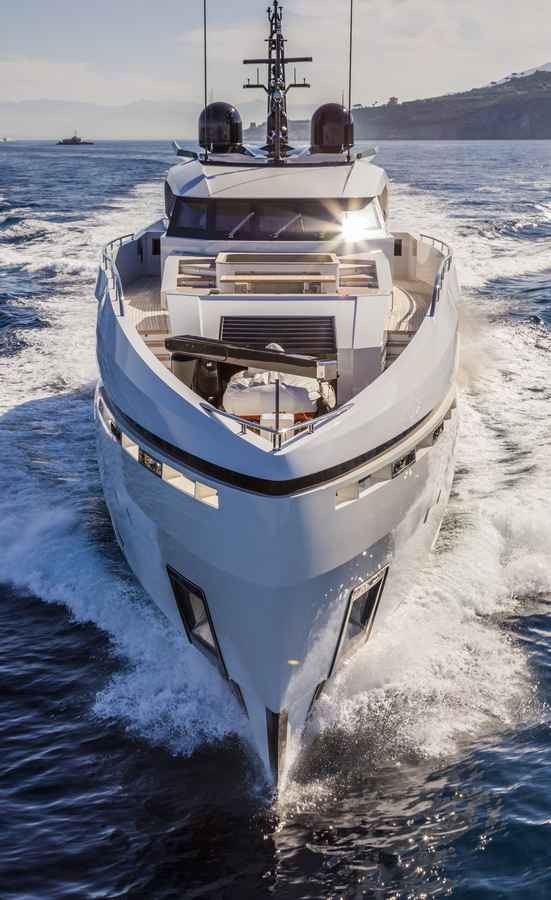 columbus-40-hybrid-My Divine. The Colombus' green approach to yacht building-2016-
