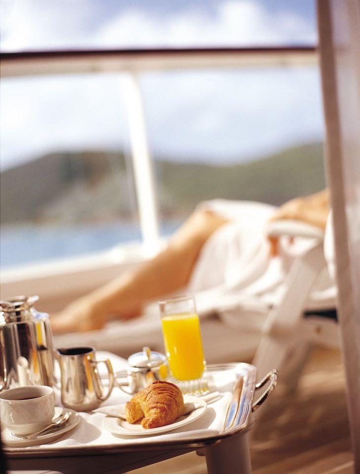 crystal cruises breakfast