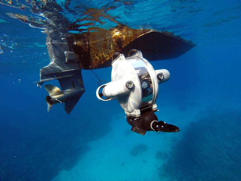 deep tracker underwater drone