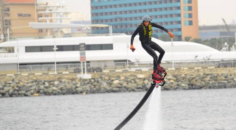 dubai international boat show stunts