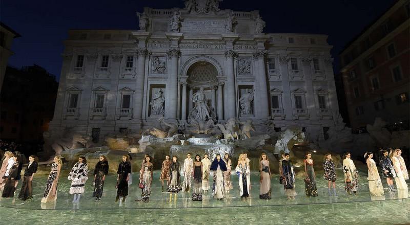 fendi 90 years anniversary show in Rome Fontana di Trevi