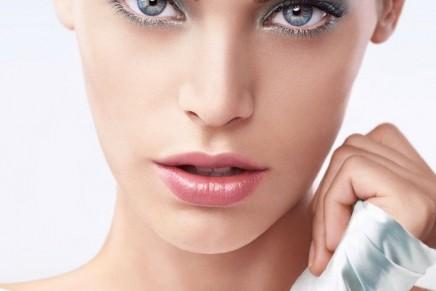 Eye Tint or light-as-air makeup