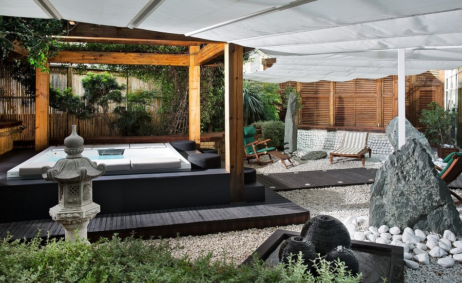 hotel romeo naples italy-garden pool suite