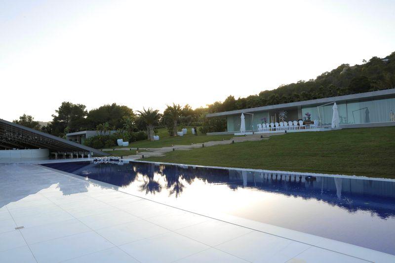 hublot ibiza villa titanium-august 2016-2luxury2