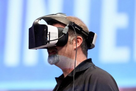 Project Alloy: Intel unveils new generation of wireless virtual reality goggles