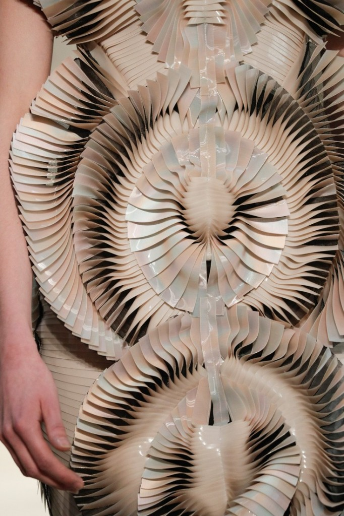 iris van harpen seijaku collection-paris haute couture show 2016-