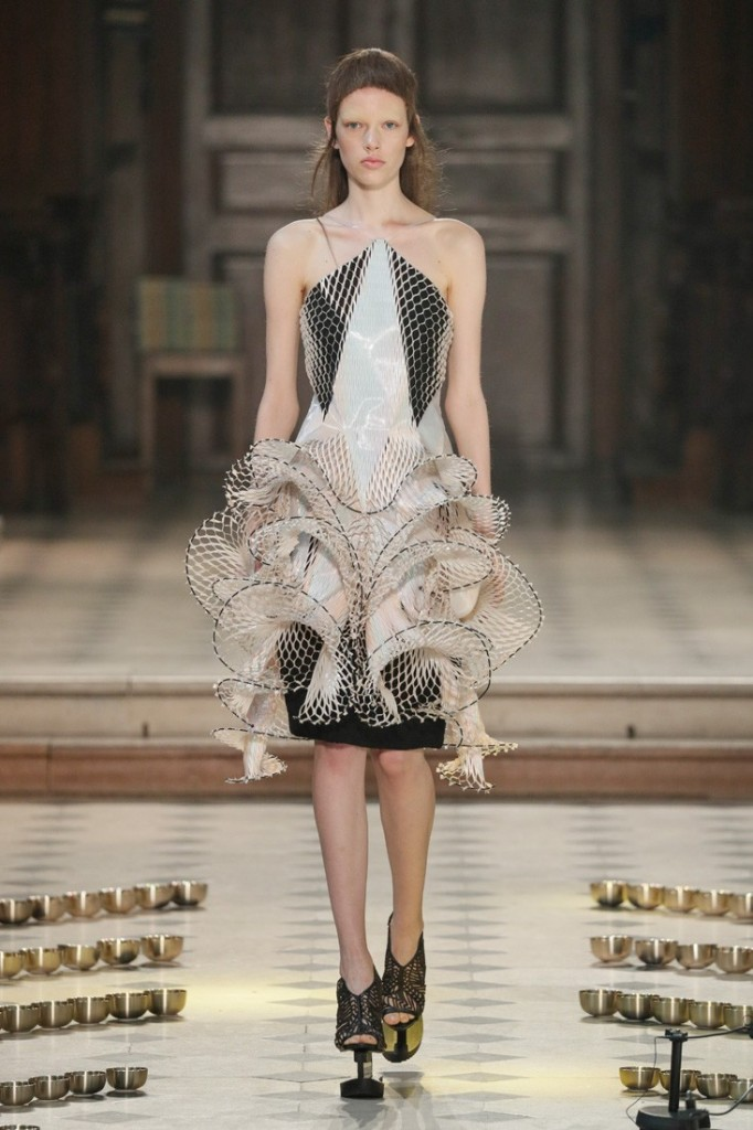 iris van harpen seijaku collection-paris haute couture show 2016