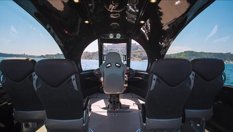 jet-capsule-interior