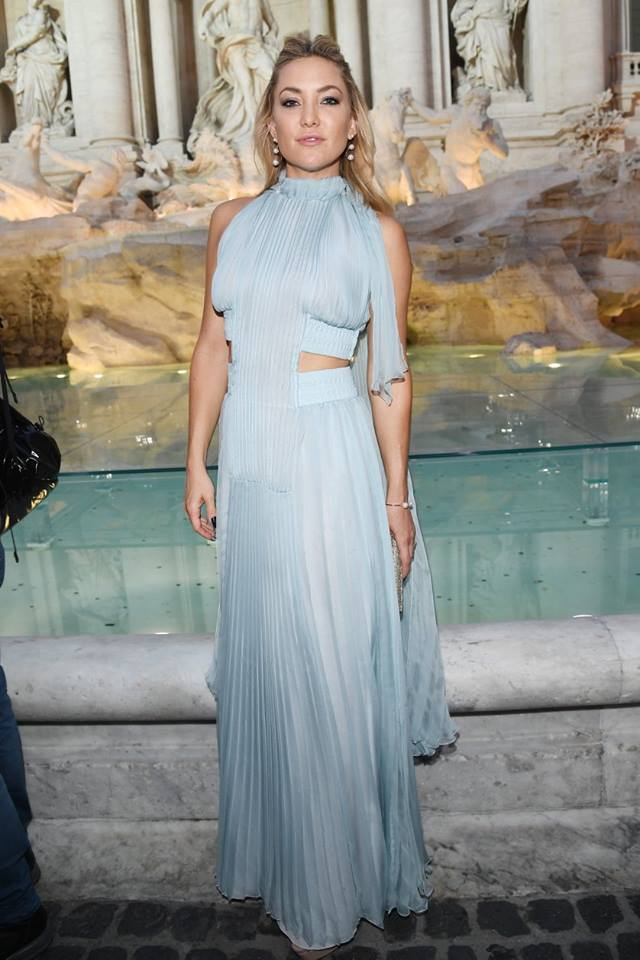 kate hudson at Fendi Fontana di Trevi show
