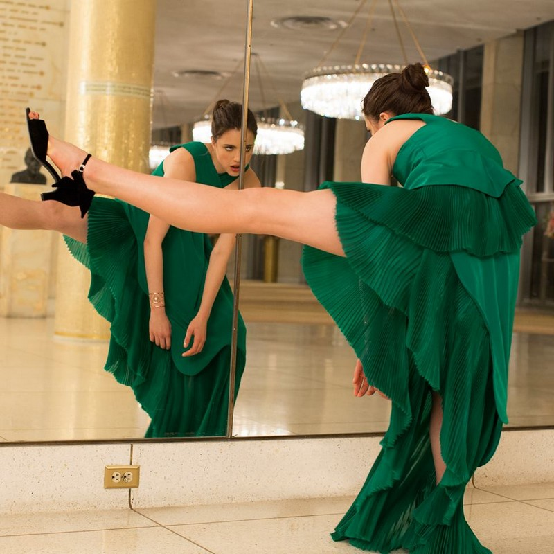 kenzo world perfume 2016 campaign ad shot by Spike Jones-Dare to dance like Margaret Qualley