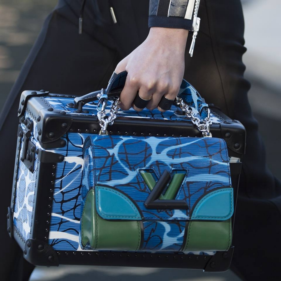 louis vuitton 2015 - A bag and trunk combination from the Louis Vuitton Cruise 2016 Fashion Show by Nicolas Ghesquière