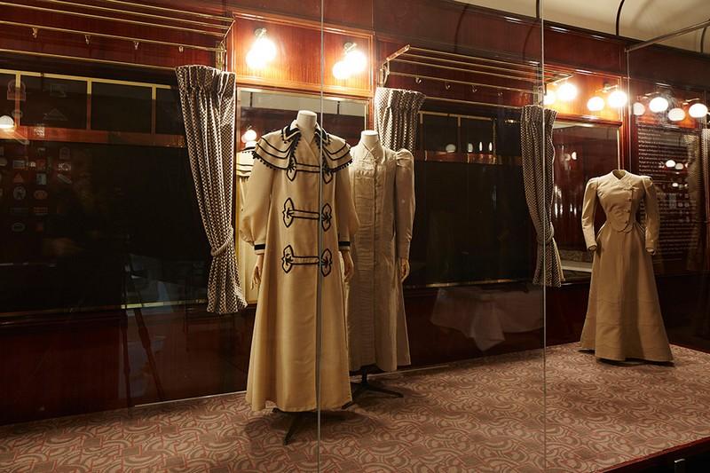 louis-vuitton-volez-voguez-voyagez-exhibition-at-grand-palais-exhibition2015-008