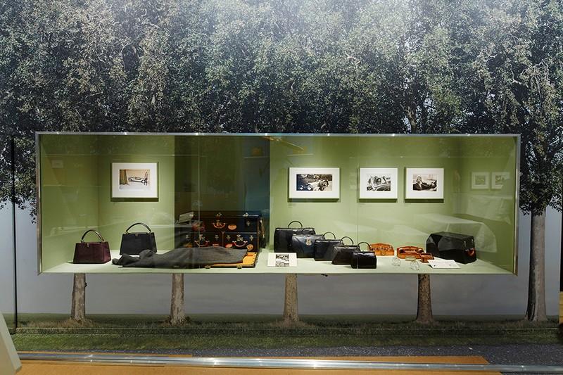 louis-vuitton-volez-voguez-voyagez-exhibition-at-grand-palais-exhibition2015-010