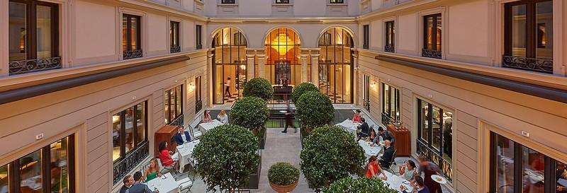mandarin oriental hotel- interior courtyard