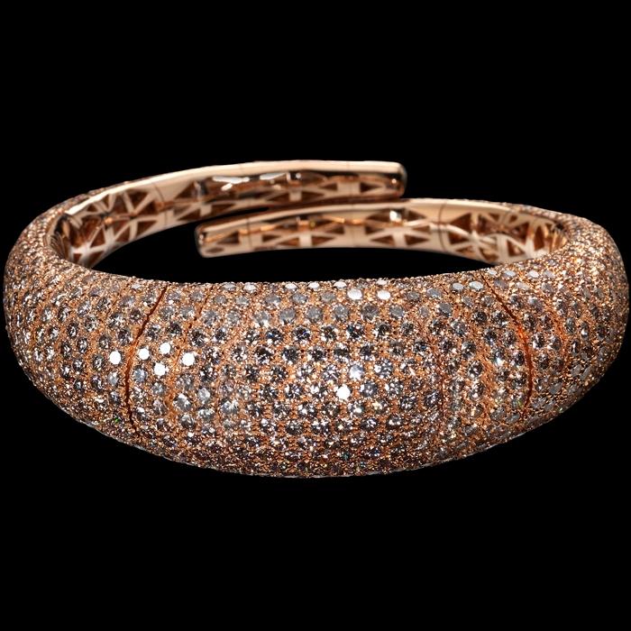 mattia cielo at Baselworld 2016  iguana collection bracelet