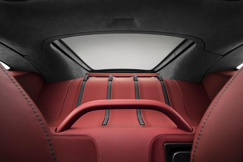 mclaren 570GT-supercar-red-interior-1