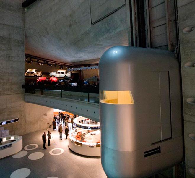 mercedes benz museum - atmosphere