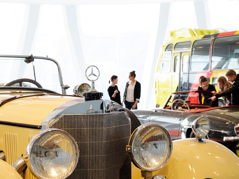 mercedes benz museum guided tours