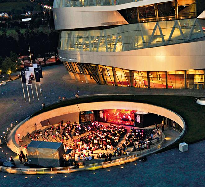 mercedes-benz_museum_10 years anniversary