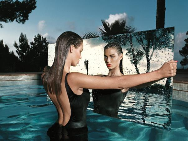 mert-marcus-works-2001-2014-the-first-solo-exhibition-of-the-legendary-fashion-photographers-mirror-2002