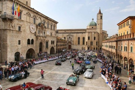 Vintage cars with a glorious past: Italy may change, but the 2016 Mille Miglia doesn't