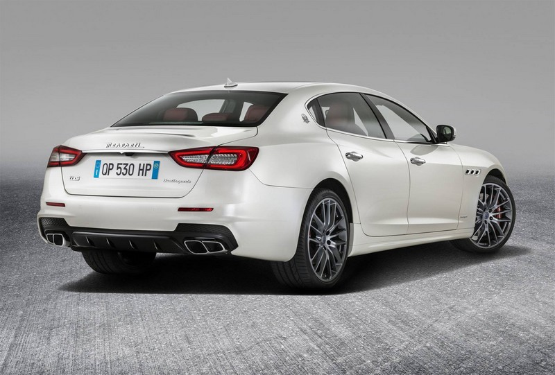 new maserati quattroporte- rear 2luxury2-com